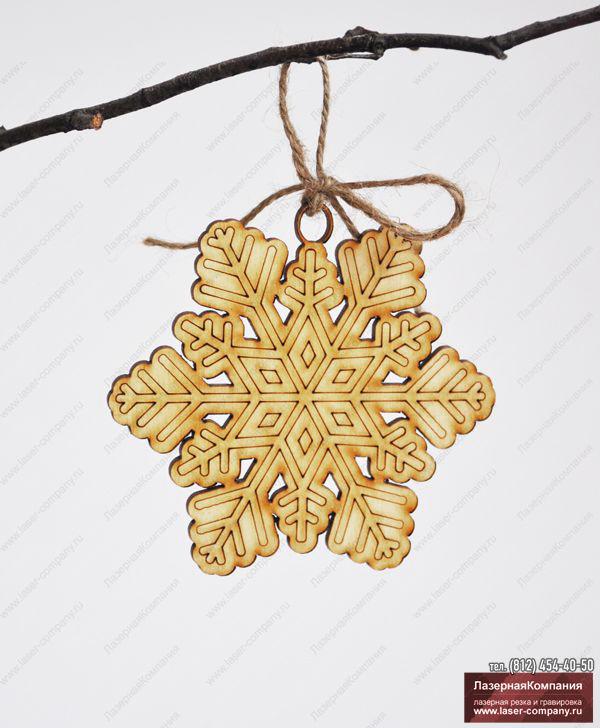 "Декор ""Снежинка"" №3 из дерева"