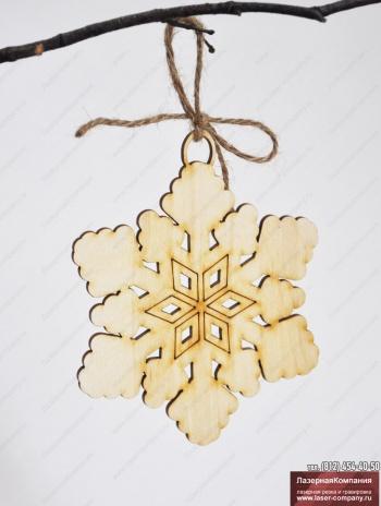 "Декор ""Снежинка"" из дерева"